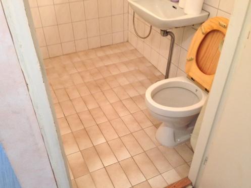 Kylpyhuone ennen