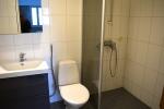 Tilava uusittu kylpyhuone
