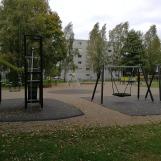 Asuinalueen leikkipuisto uusittu 2018